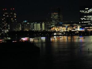橋上:夜景