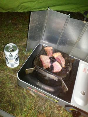 溶岩プレートで激安ステーキ肉