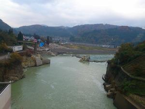 本名ダム直下の只見線第六只見川橋梁