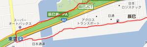 湾岸道路から海側の道を通り