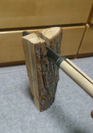 薪を割ってみた