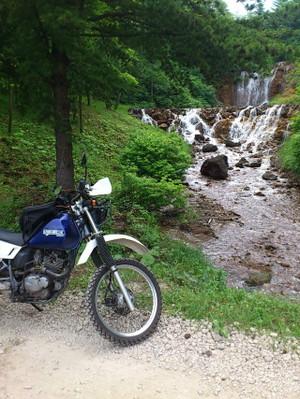 途中にあった滝