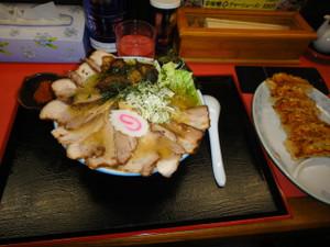 辛味噌チャーシューメン&餃子
