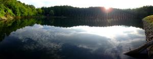 湖西側から、東に向かって