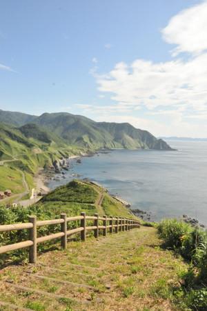 竜飛岬遊歩道より、竜泊ライン方面を望む