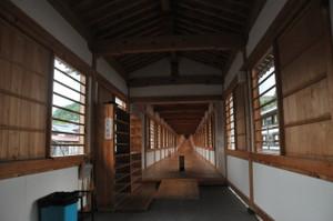 地蔵堂への渡り廊下