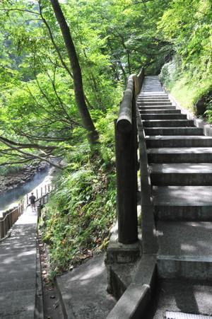 九十九折りな階段
