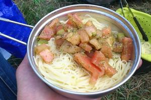 冷製トマトとジェノベーゼソースのカッペリーニ
