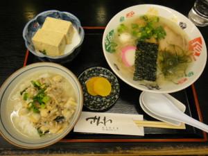 塩ラーメン&貝飯セットとイギス豆腐