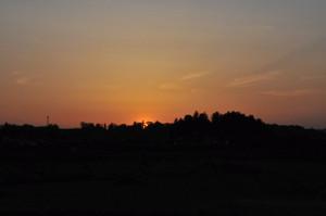 久慈川越しに日が沈む
