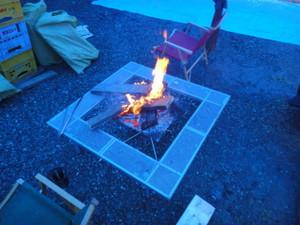 焚火をすれば温かい