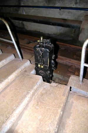 ケーブルカー斜坑:切り替え器