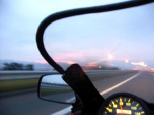 走行中に撮影した夕日