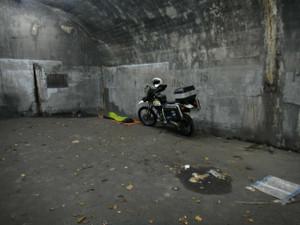 トンネル内退避所