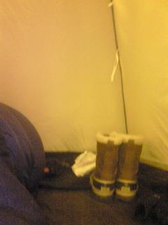 明るすぎるテント